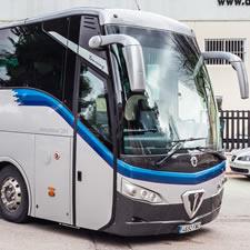 Autobús 63 plazas